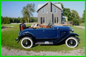 Ford : Model A Roadster Deluxe with Rumble Seat