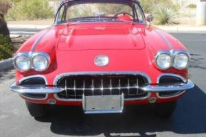 Chevrolet : Corvette base convertible 2-door