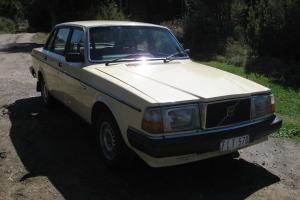 Volvo 2 40 GL 1983 4D Sedan 4 SP Automatic 2 3L Multi Point F INJ in Traralgon, VIC
