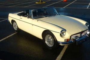 MGB ROADSTER 1972 EXTENSIVE HISTORY FILE PRE OWNER OF 25 YEARS - STUNNING