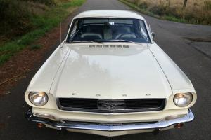 Ford : Mustang base Photo