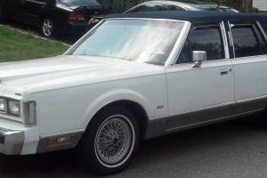 Lincoln : Town Car Signature Sedan 4-Door