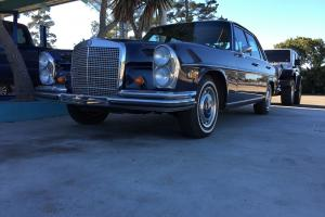 Mercedes-Benz : 200-Series 280se