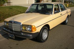 Mercedes-Benz : 200-Series 240 D Sedan