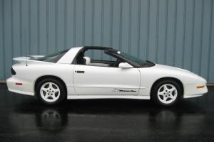 Pontiac : Trans Am 25th Anniversary Edition