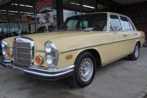 Mercedes-Benz : 200-Series SE