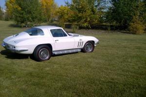 Chevrolet : Corvette Coupe Photo