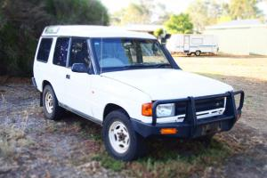 Land Rover Discovery TDI 4x4 1994 4D Wagon 4 SP Automatic 4x4 2 5L in Hamilton, VIC Photo