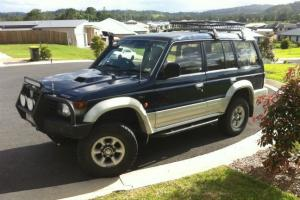 Mitsubishi Pajero GL LWB 4x4 1994 4D Wagon 5 SP Manual 4x4 2 8L Diesel in Nambour, QLD Photo