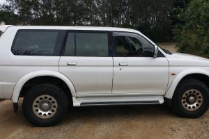 Mitsubishi Challenger 4x4 2000 4D Wagon 4 SP Automatic 4x4 3L Multi in Banora Point, NSW