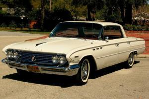 1961 Buick Invicta White 4 Door Hardtop Pillarless Sedan in Coburg, VIC