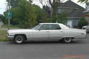 Automobile Cadillac 1972 Calais