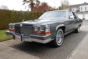 Cadillac : Brougham d'Elegance Sedan 4-Door