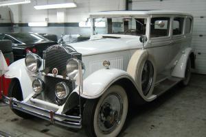 Packard : 740 Sedan