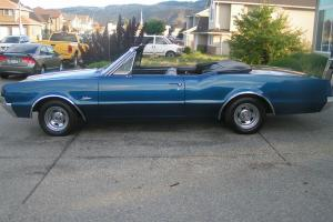 Oldsmobile : Cutlass Base