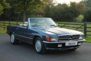 Mercedes-Benz 300 SL | Creme Leather | OTG | Rear Seats | Warranty