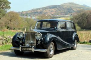 1952 LHD Rolls-Royce Silver Wraith HJ Mulliner Limousine LALW17
