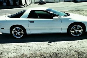 Chevrolet : Camaro Base Coupe 2-Door
