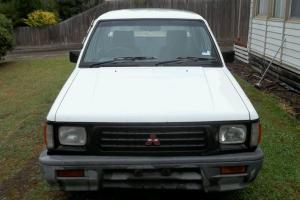 Mitsubishi Triton 1995 Dual CAB UTE 5 SP Manual 2 6L Carb Going Cheap Must Sell in Fawkner, VIC