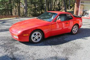 Porsche : 944 Turbo Photo