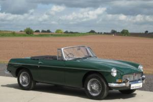 1965 MG B Roadster MK1 - British Racing Green