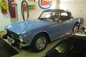 Triumph : TR-6 2 door, Convertible Photo
