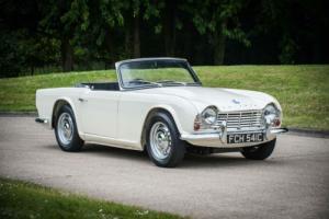 1965 Triumph TR4 Photo