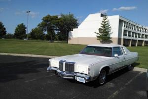 Chrysler : New Yorker BROUGHAM ST REGIS