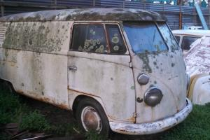 VW Split Window 1964 Kombi Panel VAN Volkswagen BUS Transporter Type 2 1500cc Photo