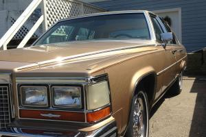 Cadillac : Brougham D;elegance