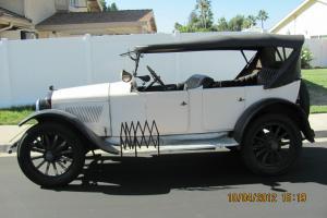 1922 Hupmobile Model R Touring Convertable
