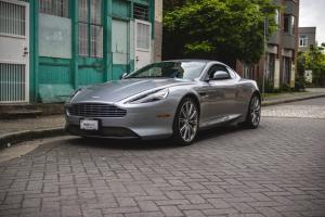 Aston Martin : DB9