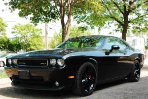Dodge : Challenger SRT8