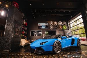 Lamborghini : Aventador LP700-4 Roadster Convertible 2-Door
