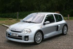 2001 Renault Clio V6 Photo