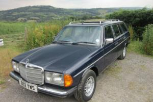 1985 MERCEDES-BENZ 230 TE ESTATE 7 SEATER AUTO (royal blue)
