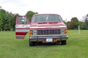 Dodge : Ram Van