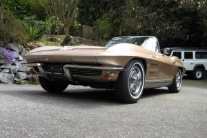 Chevrolet : Corvette Stingray Roadster 327/300