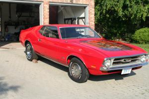 Ford : Mustang standard with hood mural