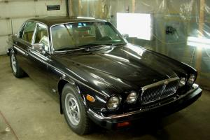 Jaguar : XJ12 Vanden Plas Photo