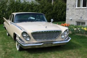 Chrysler : New Yorker 4 doors sedan