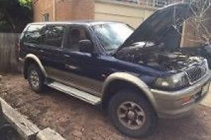Mitsubishi Challenger 4x4 2000 4D Wagon Automatic 3L Multi Point Photo