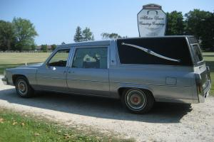 Cadillac : Fleetwood Brougham