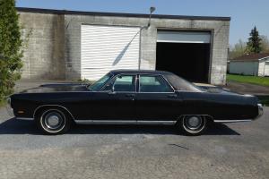 Chrysler : New Yorker 4 door sedan
