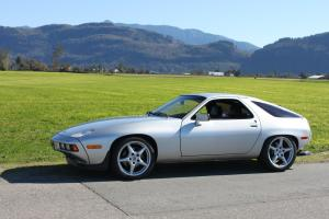 Porsche : 928