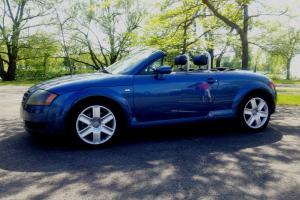 Audi : TT Base Convertible 2-Door