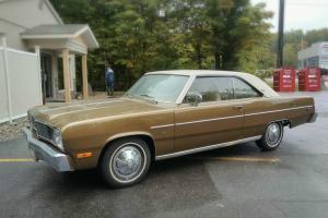Chrysler : Other Two -door Hardtop White Vinyl Roof White Interior