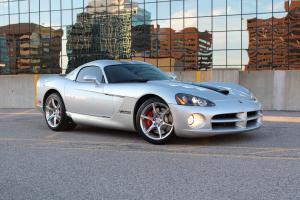 Dodge : Viper GTS