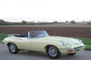 1969 Jaguar 'E' TYPE S2 4.2 Roadster - Primrose Yellow