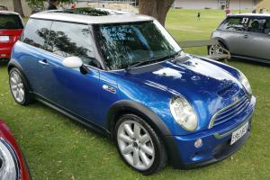 Mini Cooper S Chilli 2005 Manual IN Excellent Condition in SA Photo